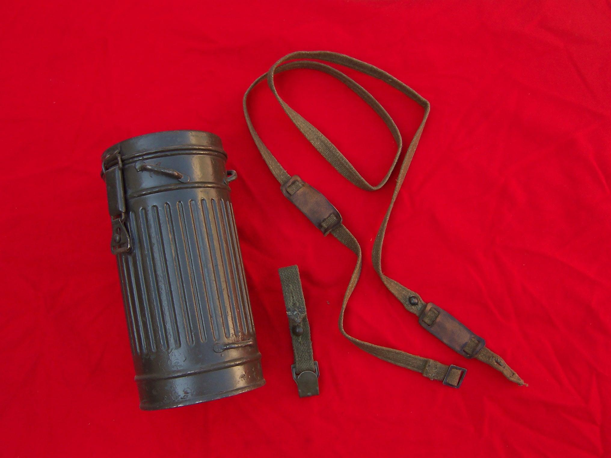 Tracolla tubo porta maschera anti gas tedesco crapanzano - Porta in tedesco ...